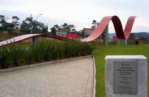 Monumento de entrada em Brusque